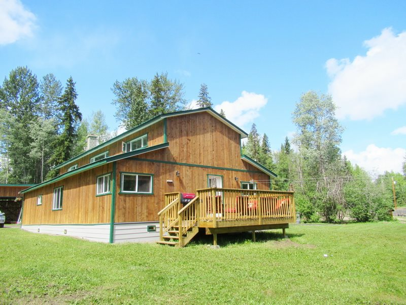 13189 OWENS ROAD, Smithers, BC, V0J 2N1 (262397041)